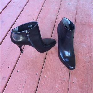 Georgeous Via Spiga Black Ankle Boots Size 8M